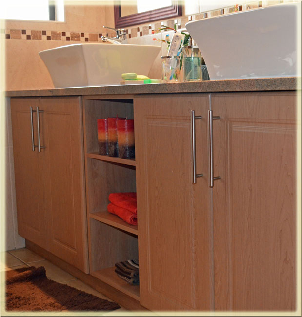Dream Kitchens, Built-in Cupboards And